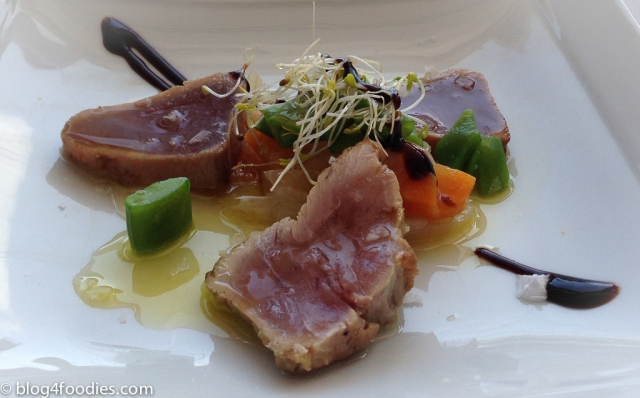 Tuna tataki with pickled vegetables