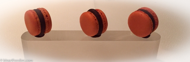"Macaron ""Jaffa"" - orange & Manjari chocolate"