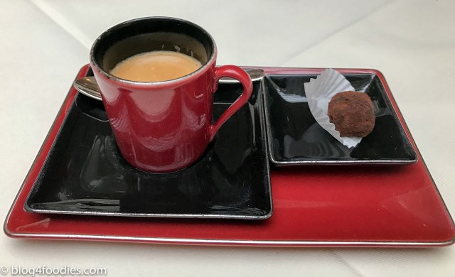 Coffee and petit-four